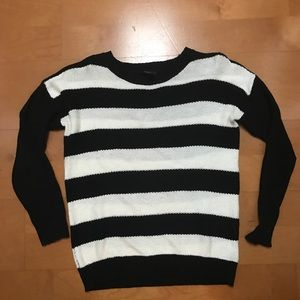Forever 21 Black & white Striped sweater Small